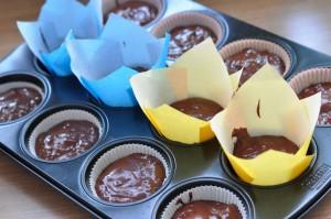 Schoko-Muffin mit Karamel-Kern & Zuckergespenst-Topping